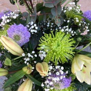 Composió Flors en Blanc Lila i verd