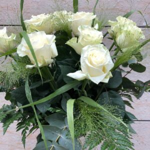 Ram de roses blanques