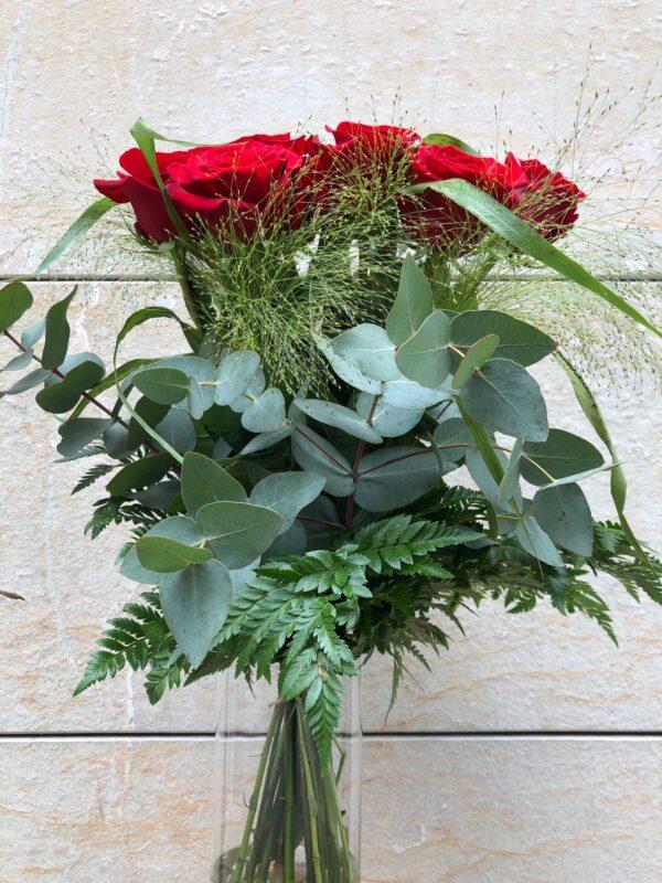 Ram de roses vermelles